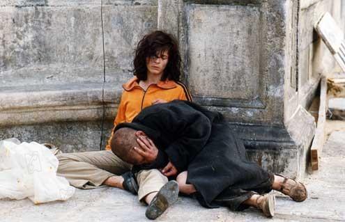 http://images.allocine.fr/medias/nmedia/18/65/09/95/18828148.jpg