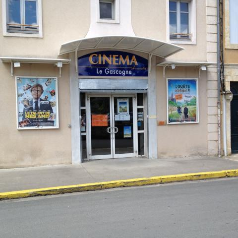 Cin 32 gascogne cin ma condom programme horaires for Cinema coulommiers horaires