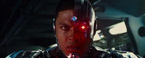 Justice League : Cyborg pointe le bout de son nez dans le teaser de la bande-annonce