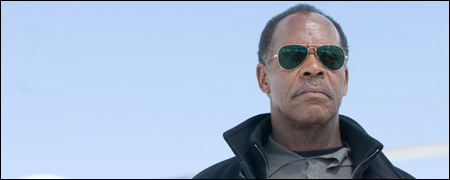 Danny+Glover+face+%c3%a0+Kiefer+Sutherland+dans+%22Touch%22