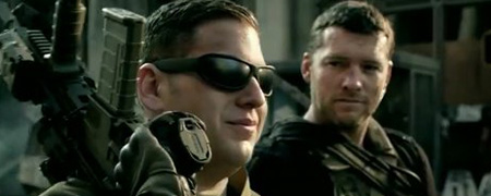 Sam Worthington et Jonah Hill jouent à la guerre [VIDEO]