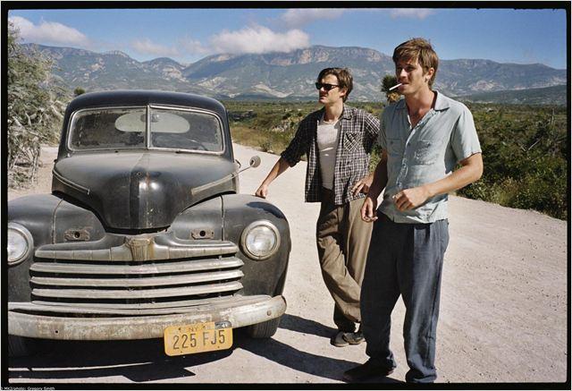 http://images.allocine.fr/r_640_600/b_1_d6d6d6/medias/nmedia/18/83/04/97/20094642.jpg