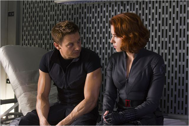 Avengers : photo Jeremy Renner, Joss Whedon, Scarlett Johansson