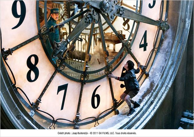 http://images.allocine.fr/r_640_600/b_1_d6d6d6/medias/nmedia/18/85/64/27/19857043.jpg