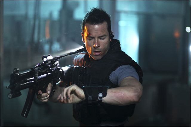 Lock Out : photo Guy Pearce, James Mather, Stephen St. Leger