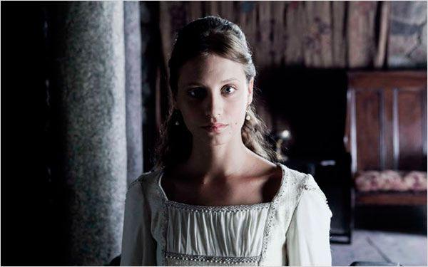 Isabel : Photo Michelle Jenner