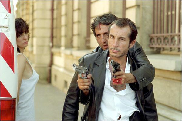 http://images.allocine.fr/r_760_x/medias/nmedia/00/02/40/21/gangster4.jpg