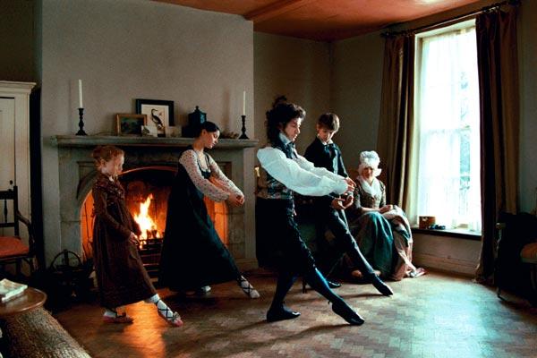 http://images.allocine.fr/r_760_x/medias/nmedia/18/70/32/73/19100431.jpg