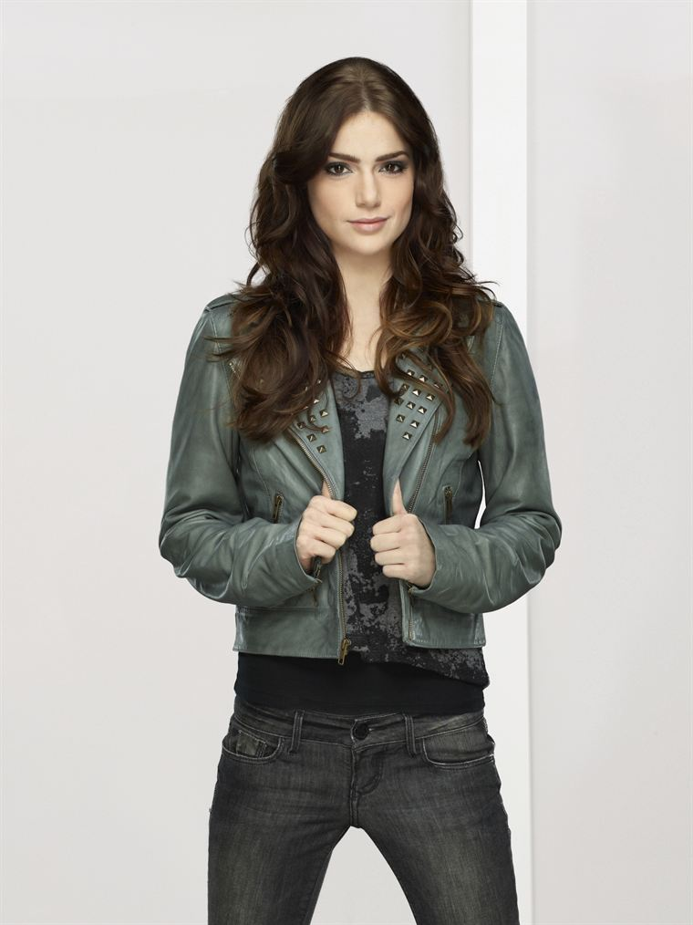 Janet Montgomery - Picture Hot