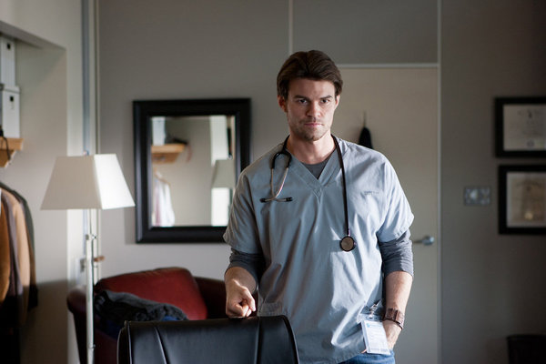 Saving Hope 20087838